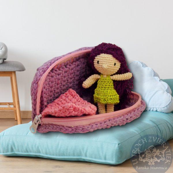Háčkovaná bábika v postielke Nataška Ručne robenvô