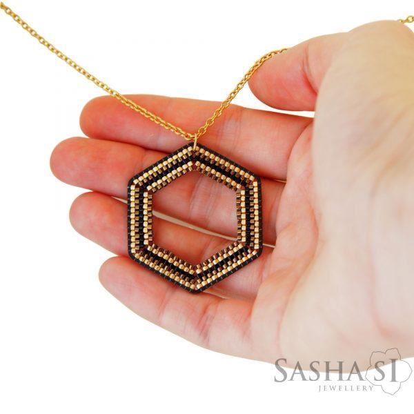 Náhrdelník Hexagon 1 SashaSi